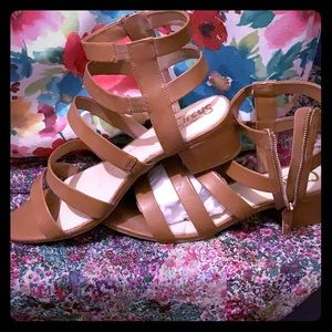 Caged sandals with block heel